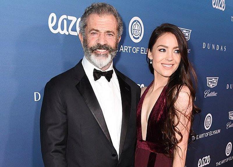 Mel Gibson kendisinden 35 yaş küçük sevgilisiyle alışverişte görüntülendi