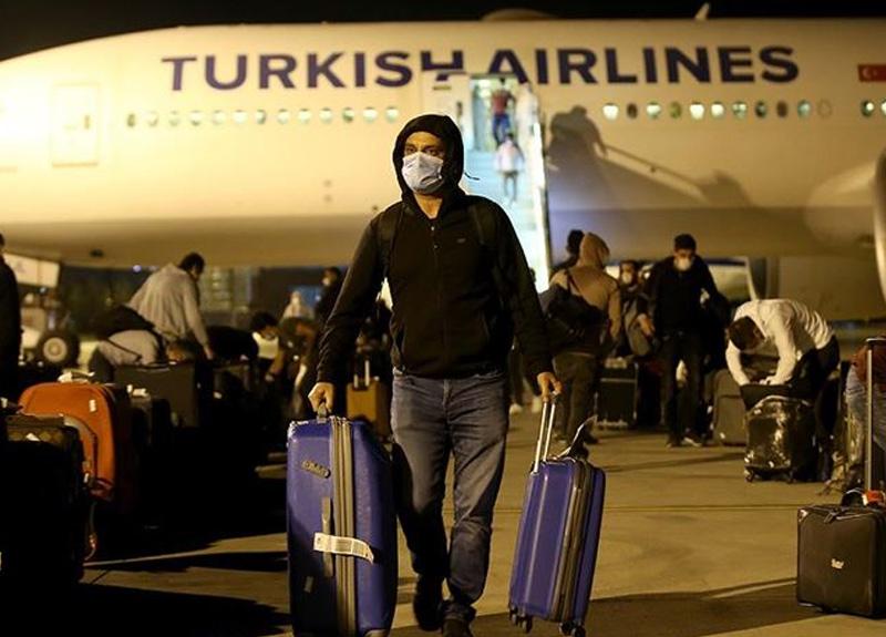 Katar'dan 454 Türk vatandaşı yurda getirildi