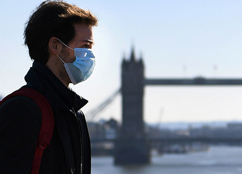 İngiltere'de koronavirüs yüzünden ölü sayısı artıyor