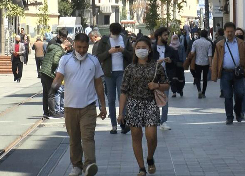 İstiklal Caddesi'nde bugün yoğunluk yaşanıyor!