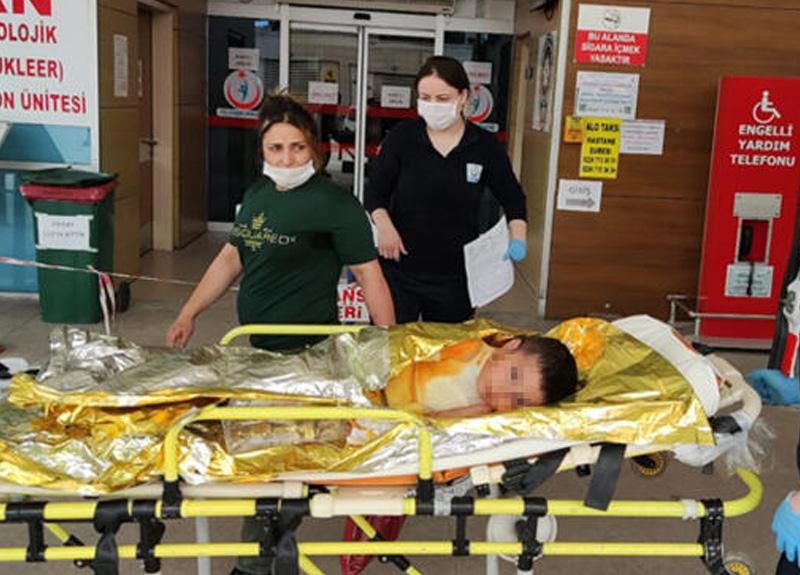 Annesinin otomobilde bıraktığı 3 yaşındaki Çınar çıkan yangında ağır yaralandı