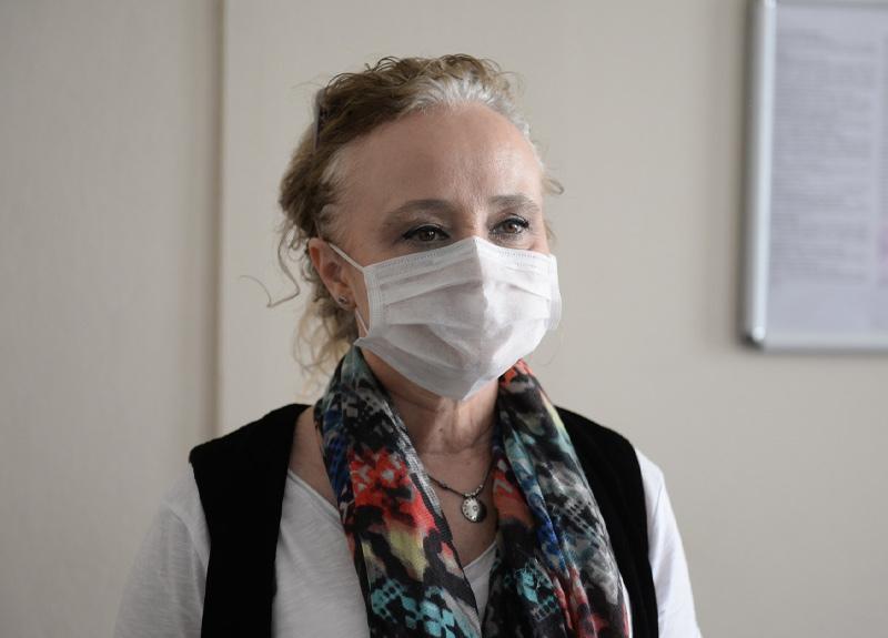 Prof. Dr. Yeşim Taşova: Bayramda el öperek riskli grubu tehlikeye atabiliriz