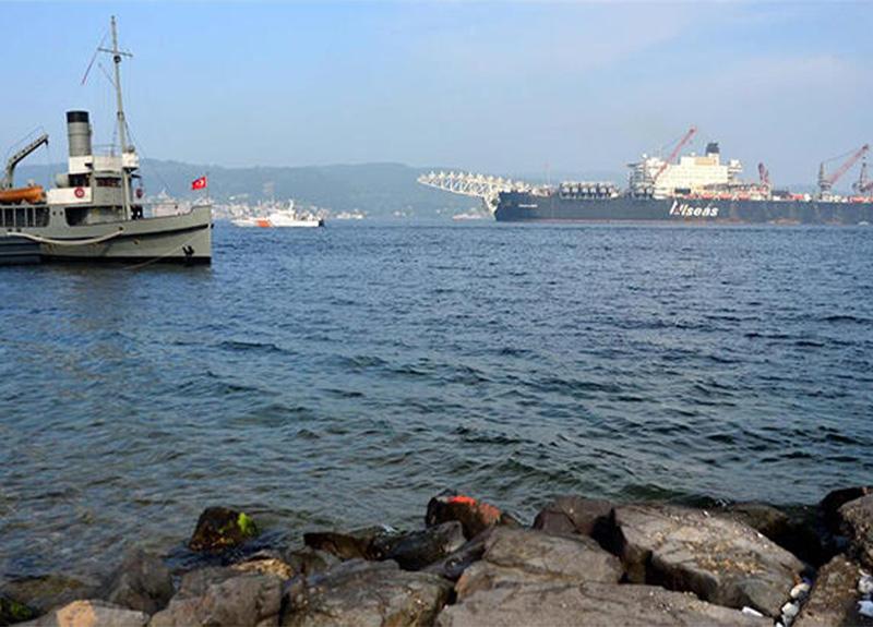 Akaryakıt tankerindeki arıza Çanakkale Boğazı'nı alarma geçirdi!