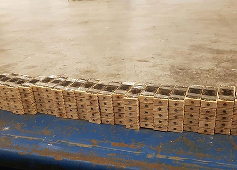 Sarp Gümrük Kapısı'nda, bin 500 canlı kraliçe arı ele geçirildi