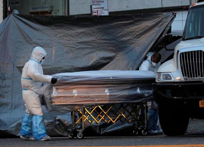 ABD'de virüs yüzünden son 24 saatte 1811 kişi vefat etti