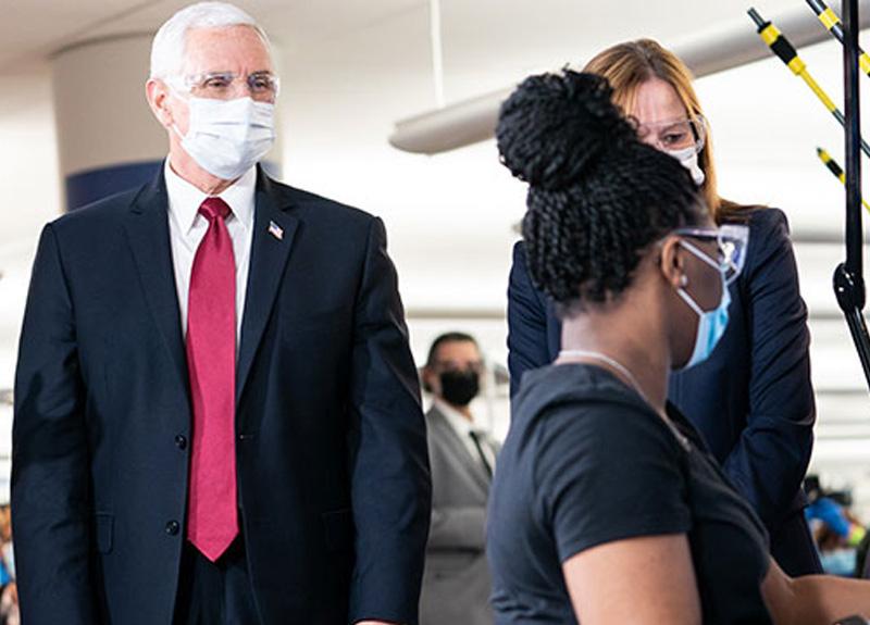 """ABD Başkan Yardımcısı Pence, """"Maske takmalıydım"""" diyerek hata yaptığını itiraf etti"""