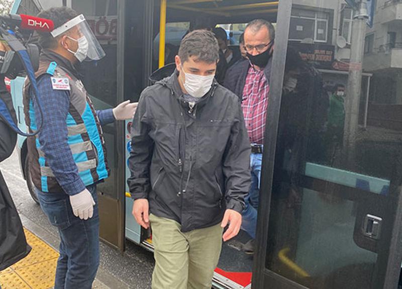 Maltepe'de fazla yolcu taşıyan minibüsler cezadan kaçamadı