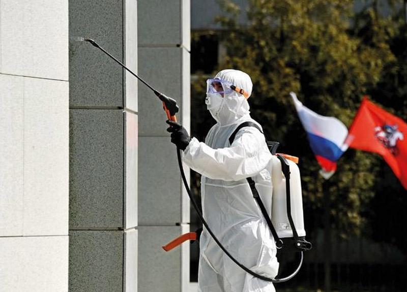 Rusya'da koronavirüs felaketi! Sağlık Bakanı halkı suçladı...