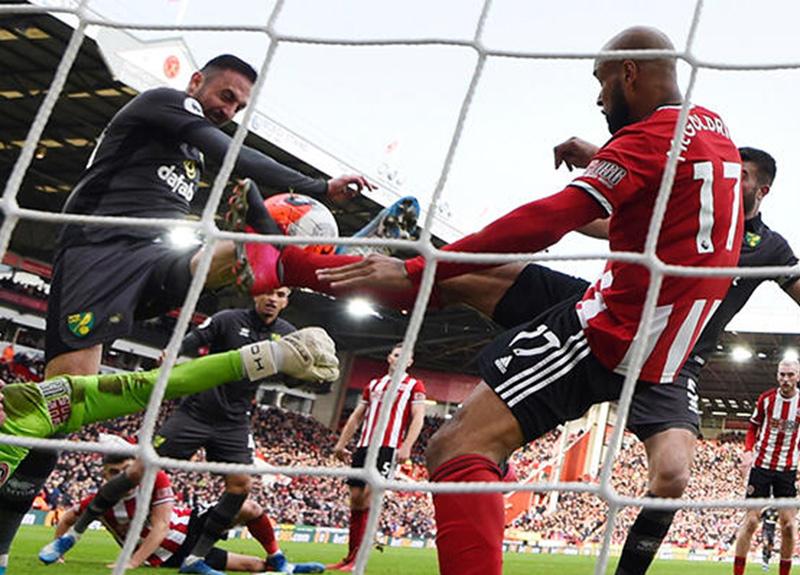 İngiltere'de 6 kulüp, Premier Lig'in yeniden başlamasını sabote ediyor!