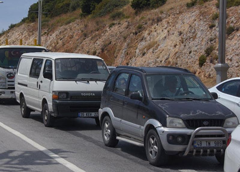 Muğla'da 6 bin aracın girdiği, ilçe trafiğinde yüzde 25 oranında artış yaşandı