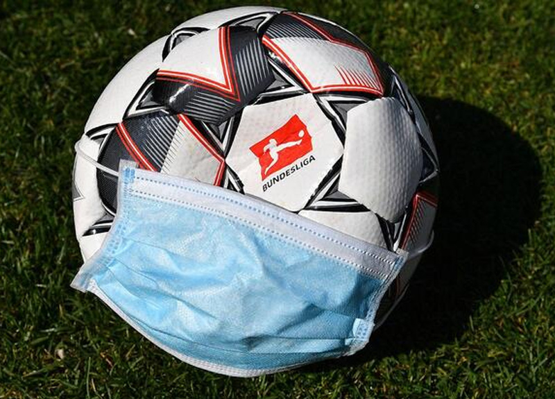 Almanya Başbakanı Angela Merkel Bundesliga liginin başlama tarihinin 22 Mayıs olmasına karar verdi