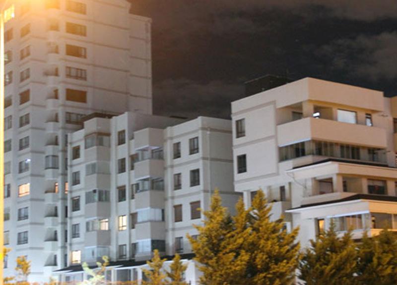 Konya'da 6 bloklu sitedeki bir apartman karantinaya alındı