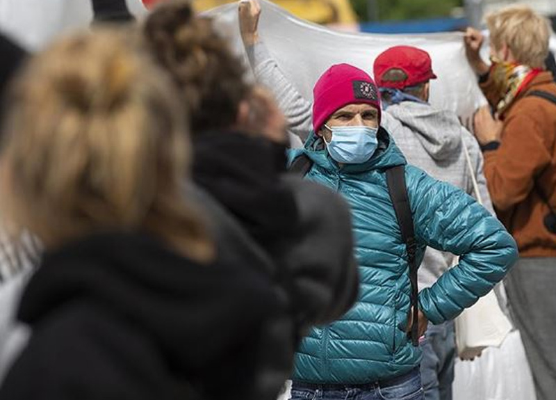 Fenomen bilim insanı Erin Bromage uyardı: Maske takmamış birini görürseniz...