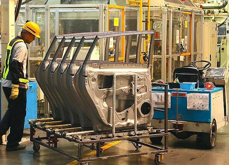 Bakan Varank'tan sevindiren açıklama! 'Otomotiv fabrikalarının tümü çalışıyor'