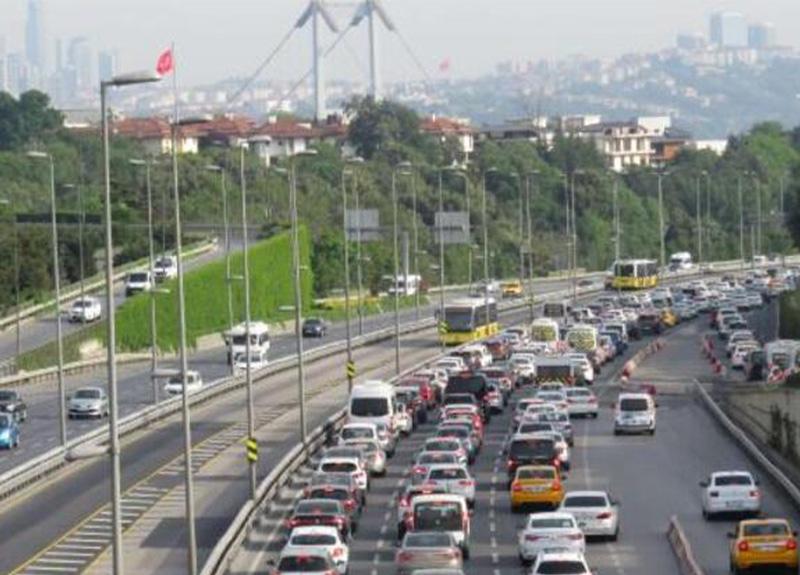 İstanbul'da bu sabah! Haftanın ilk iş gününde trafik yoğunluğu oluştu!