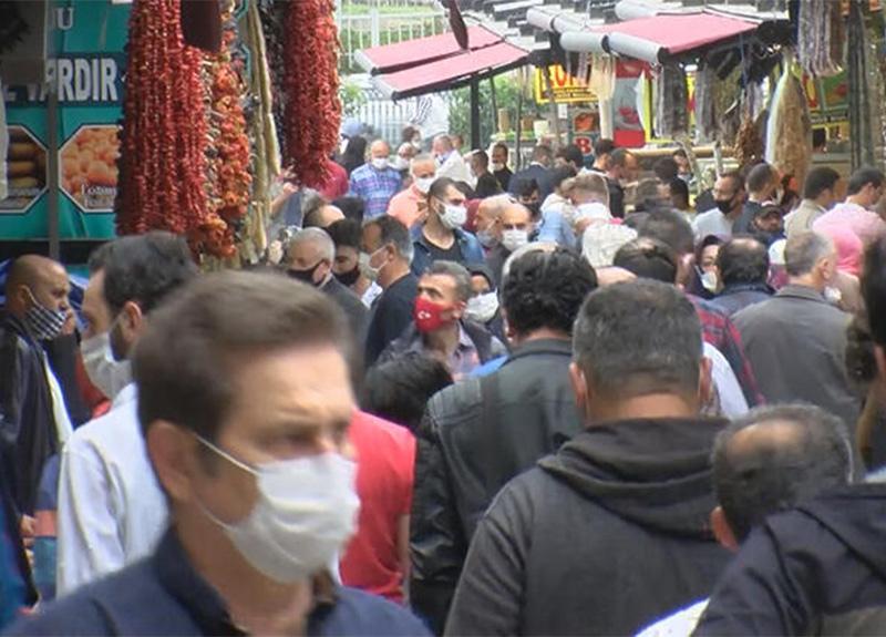 Bayram öncesinde Eminönü'ndeki alışveriş yoğunluğu korkuttu!