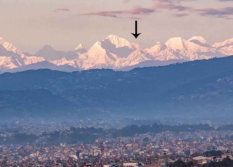 Salgın öncesi mümkün değildi... Everest Dağı şehir merkezinden cam gibi göründü