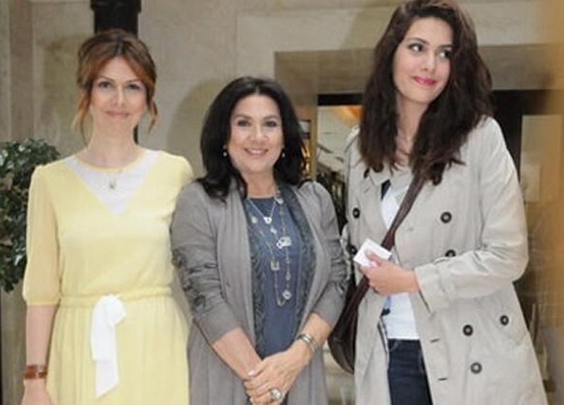Bergüzar Korel'in kardeşi Zeynep Korel, annesi Hülya Darcan'a açtığı miras davasını geri çekme kararı aldı