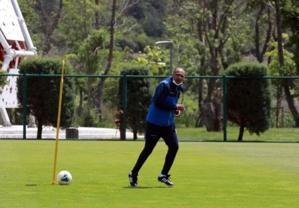 Fenerbahçe'ye antrenör olarak geri dönen Mehmet Aurelio ilk idmanına çıktı!