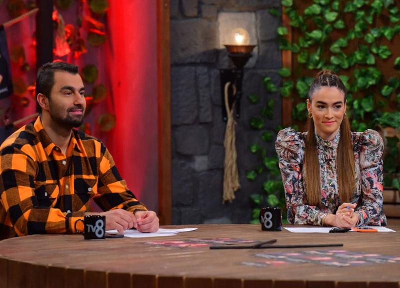 Acun Ilıcalı'nın yarışmacılara sorduğu soruları Survivor Panorama yorumcuları da yanıtladı