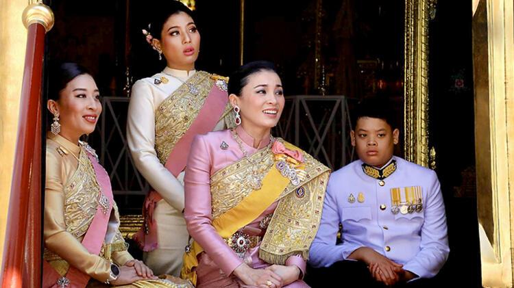 Tayland Kralı haremiyle otele kapanmıştı... Dünyayı şoke etti!