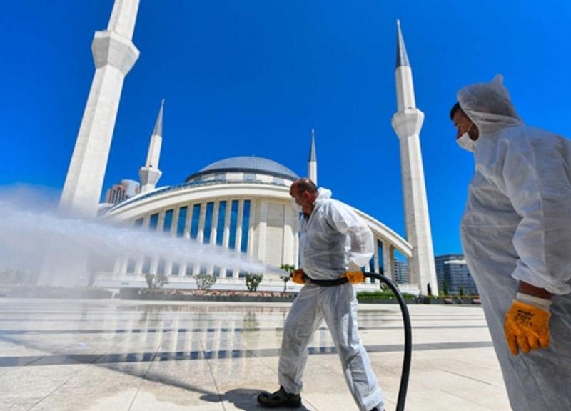 Ankara'da başlıyor! Cuma namazlarında tek kullanımlık seccade ve maske dağıtılacak