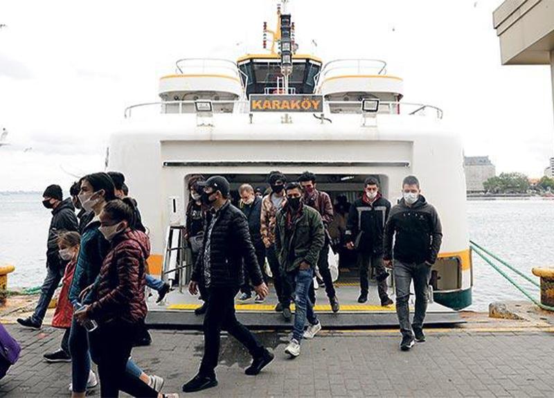 İBB açıkladı: 'Toplu ulaşım yönetmelikleri revize edilmezse vapur kuyrukları uzar'