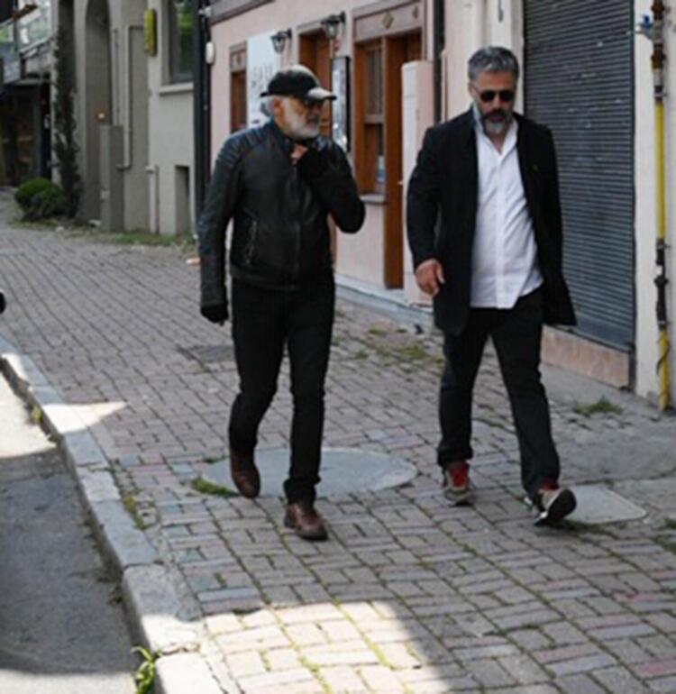 Yönetmen Sinan Çetin yaş sınırı kuralına uymadı!