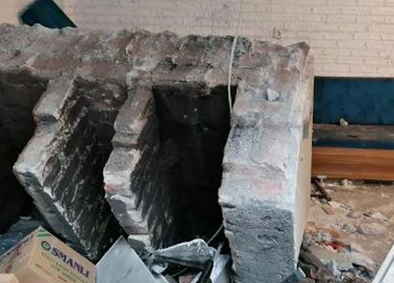 Amasya'da bir kişi 6 saatlik izinde sokağa çıktı, çöken asma tavanın altına kaldı