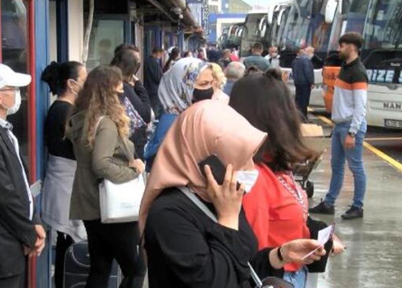 Seyahat kısıtlamasının sona ermesinin ardından vatandaşlar Bayrampaşa Otogarı'na akın etti