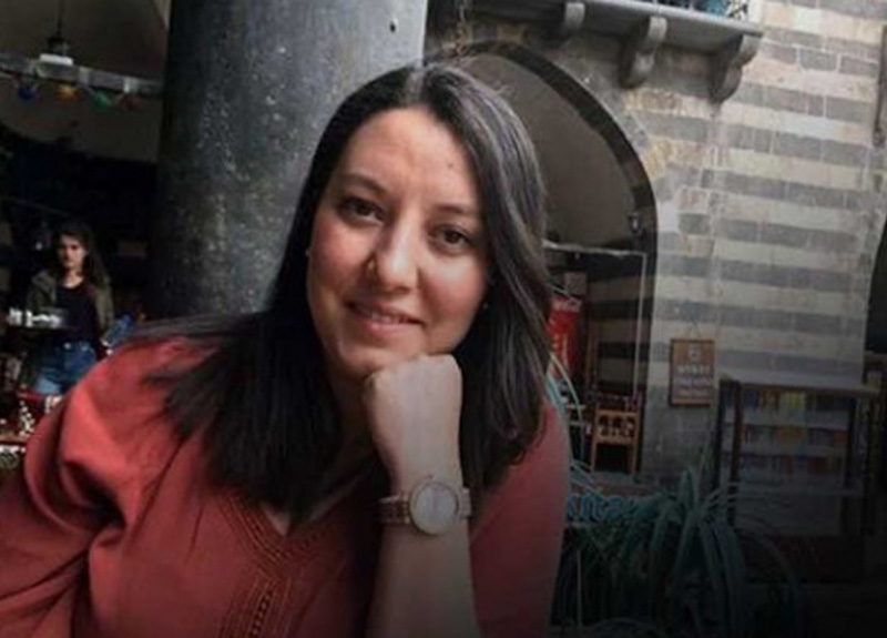 Sağlık Bakanı Fahrettin Koca sosyal medyadan duyurdu: Dilek hemşire hayatını kaybetti