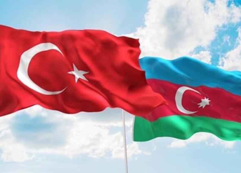 Flaş karar! Azerbaycan'la vizeler kaldırıldı!