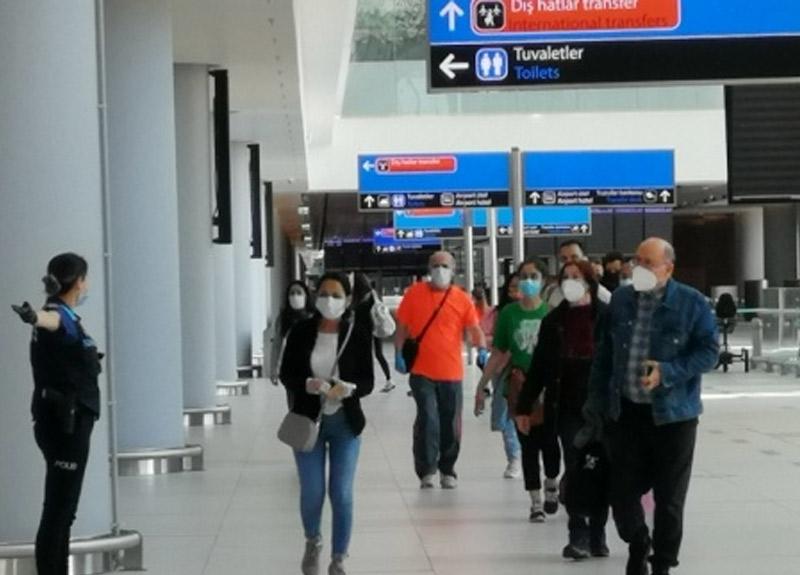 ABD'de mahsur kalan 250 Türk vatandaşı Türkiye'ye döndü!