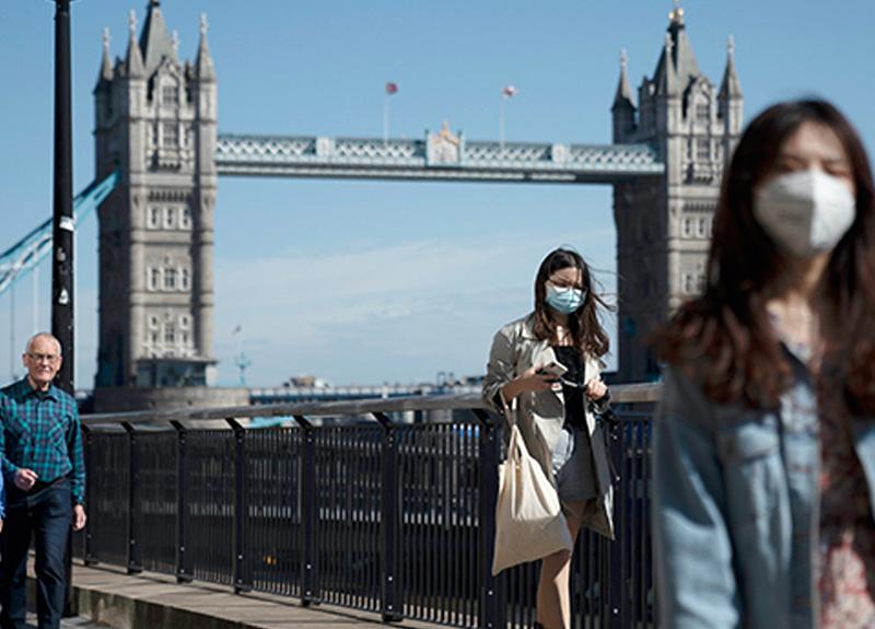 İngiltere'de virüs yüzünden 40 bin 261 kişi yaşamanı yitirdi.