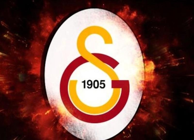 Galatasaray ve Milli Takım'ın eski futbolcularından Talat Özkarslı hayatını kaybetti
