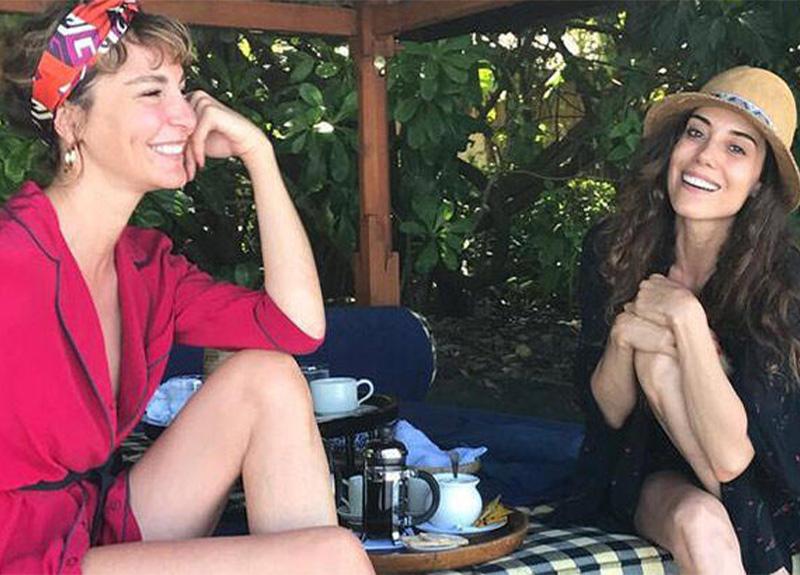 Cansu Dere: 'Ece Sükan'la tatil yapmaktan büyük keyif alıyorum'