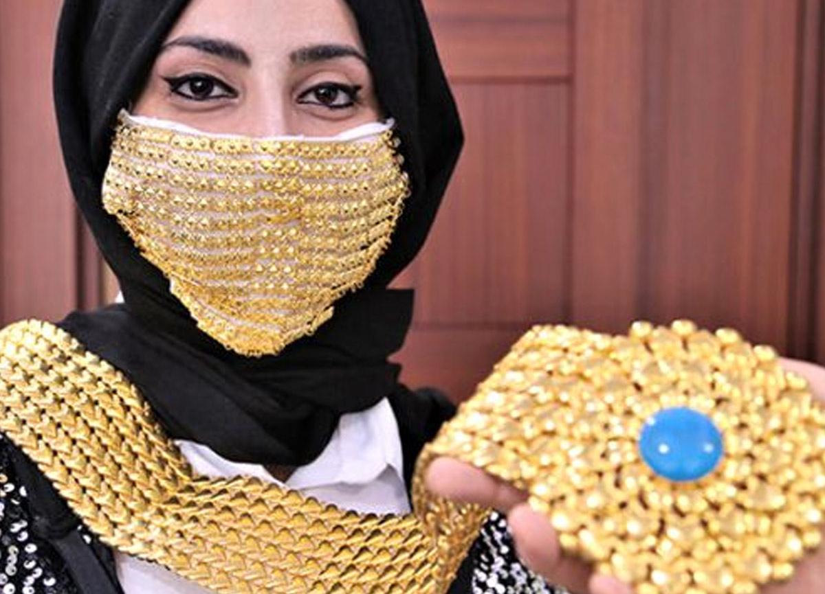 Çok sık görebiliriz: Düğünlerde gelinler için altından koronavirüs maskesi