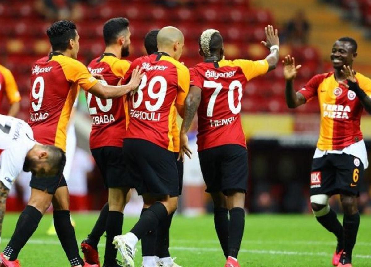 Mevcut futbolcularla sözleşme çalışmalarına başlayan Galatasaray'da Donk ve Seri kalıyor, Lemina gidiyor