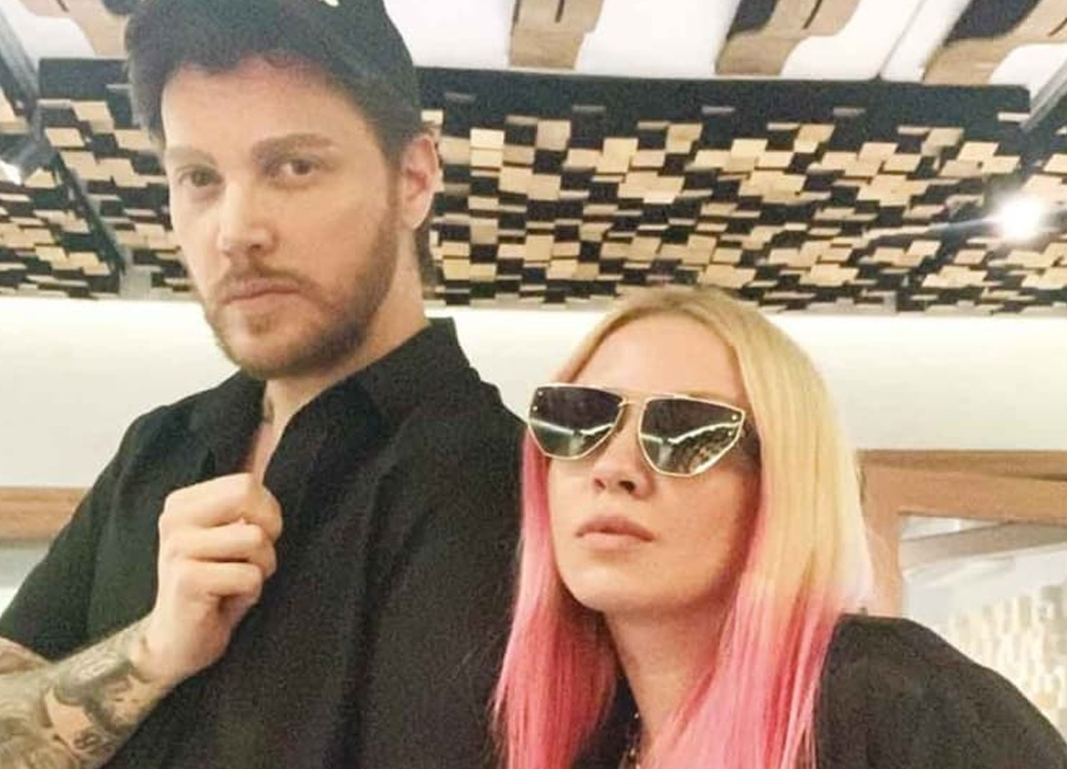 Şarkıcı Ece Seçkin ve Sinan Akçıl yeni bir şarkı için stüdyoya girdi