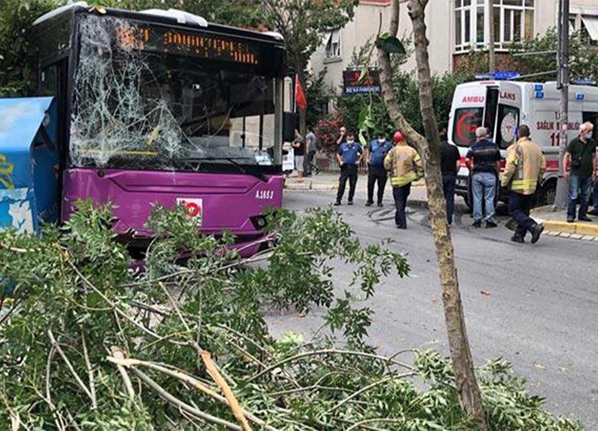 Avcılar'da halk otobüsü kaza yaptı!