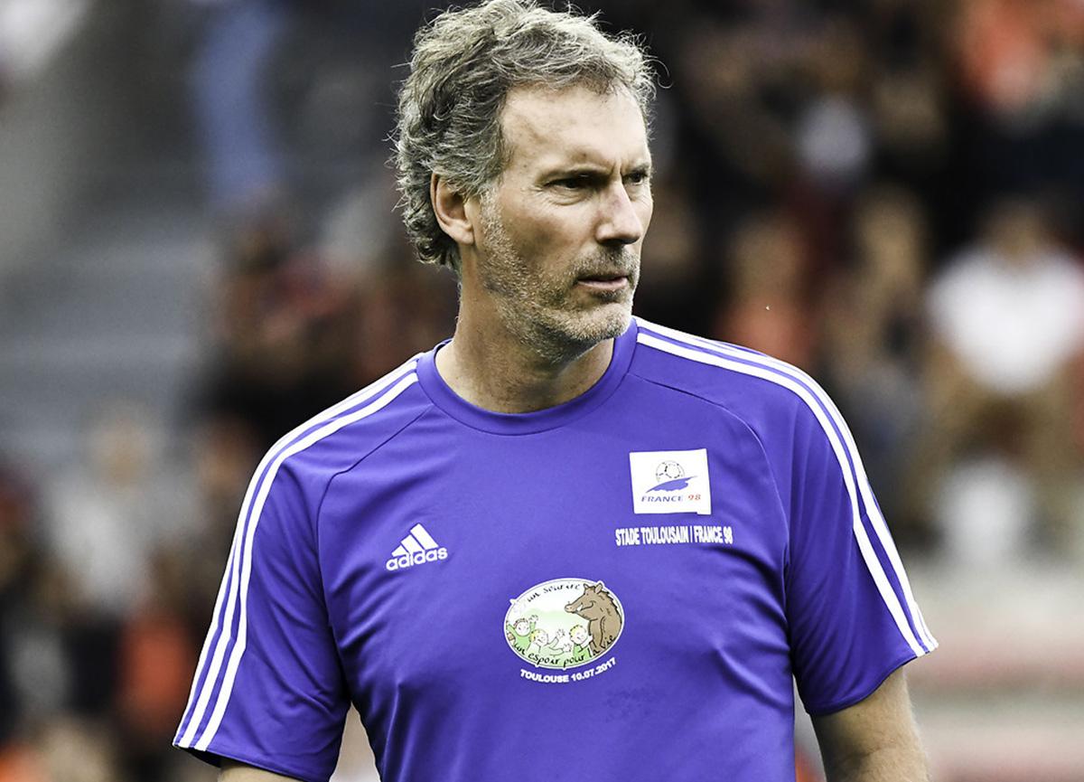 Fransız basını duyurdu! Fenerbahçe, yönünü Laurent Blanc'a mı çeviriyor?