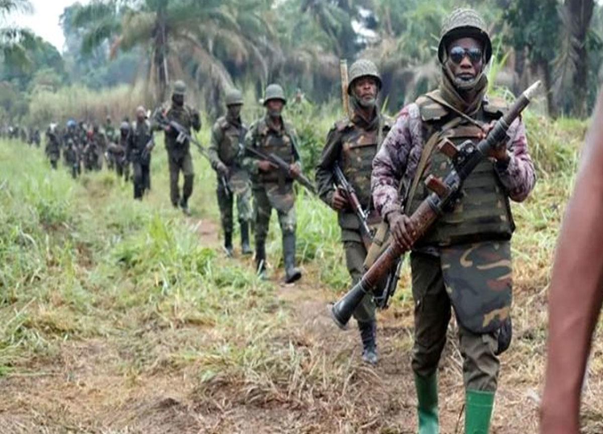 Alkol alan asker rastgele ateş açtı, 12 kişi hayatını kaybetti