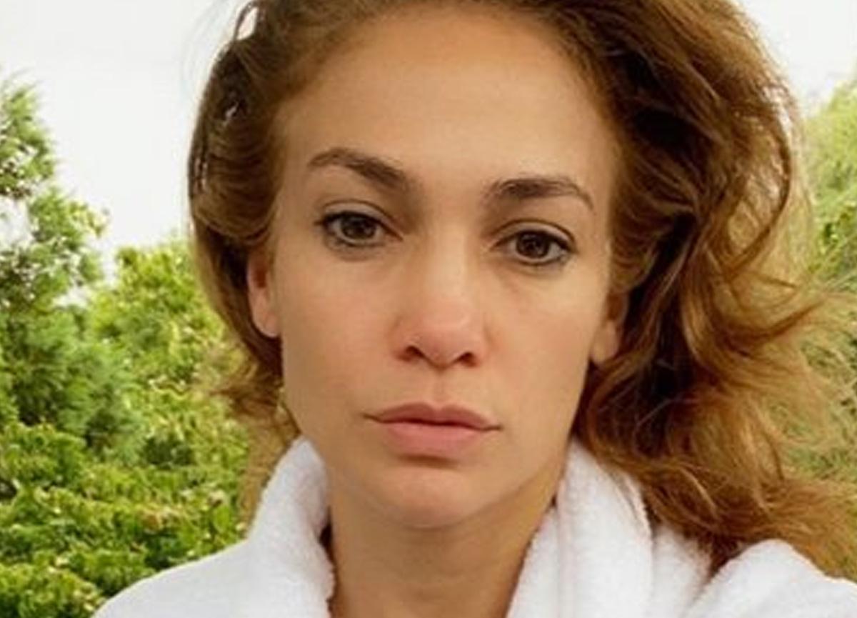 Jennifer Lopez, sosyal medya paylaşımıyla dikkatleri üzerine çekti