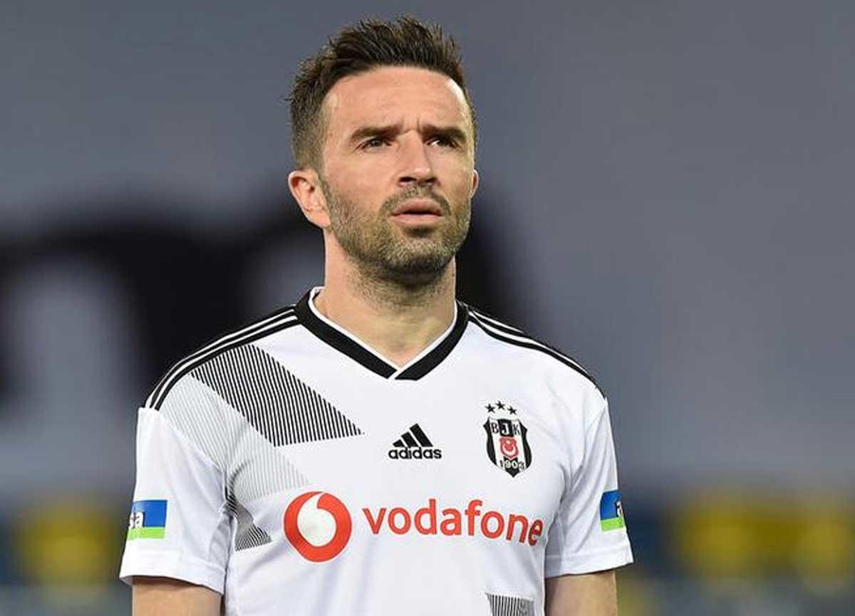 Gökhan Gönül, Fenerbahçe ile anlaştı