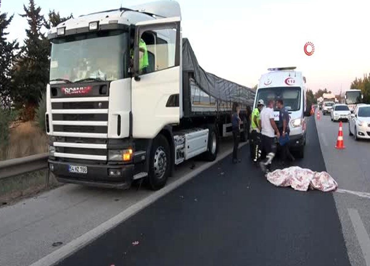 Lastiğini değiştirmek isteyen TIR şoförü başka bir TIR'ın çarpması sonucu hayatını kaybetti