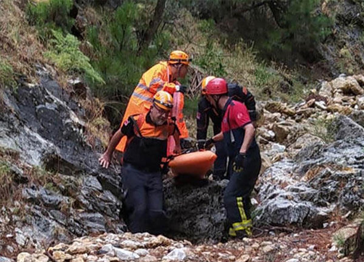 Denizli'de 80 yaşındaki kadın, kayalıklardan düşerek can verdi!