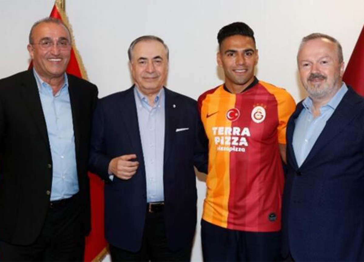 Galatasaray Başkanı Mustafa Cengiz'den Falcao açıklaması! 'Takımda kalacak'