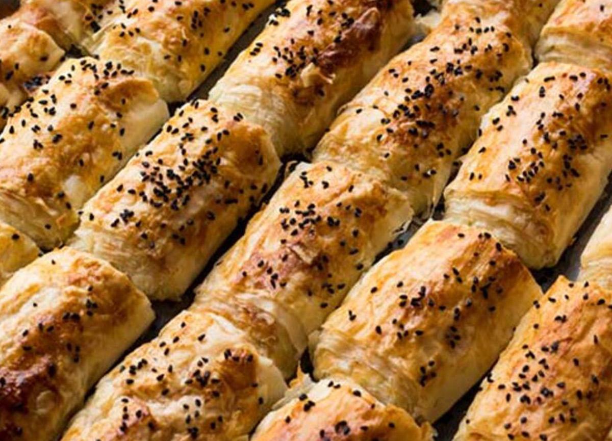Baklava hamurunda mantarlı börek nasıl yapılır? 18 Ağustos Masterchef Baklava yufkasında mantarlı börek tarifi