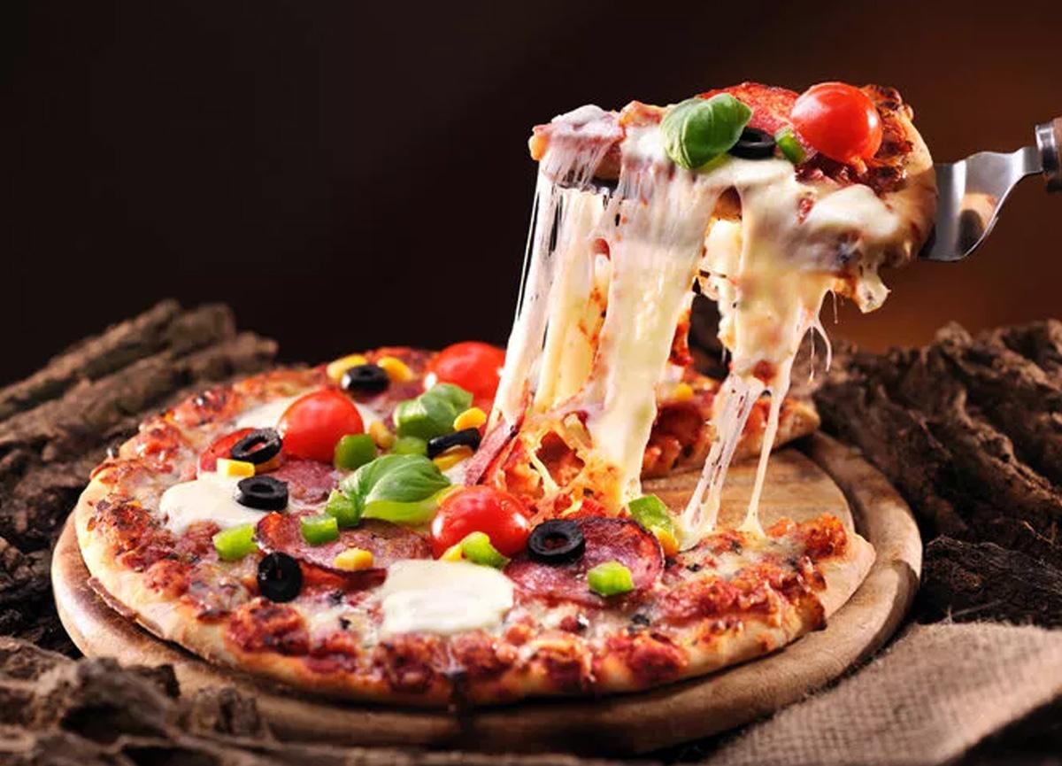 İngiltere'nin önde gelen pizza zincirlerinden Pizza Express, 73 şubesini kapatıyor