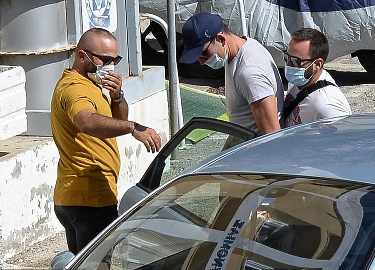 Manchester United'ın yıldız oyuncusu Harry Maguire Yunanistan'da tutuklandı
